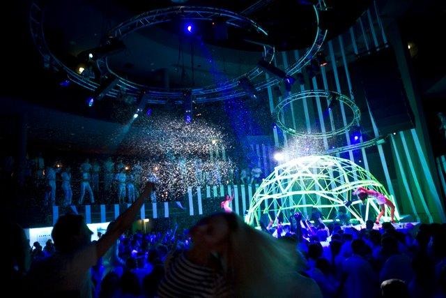 Dome Scene Estrada Ø6m for Desyn Masiello-Omid 16B-Demi@Pure Future White 2009 Vilnius, Lihuania
