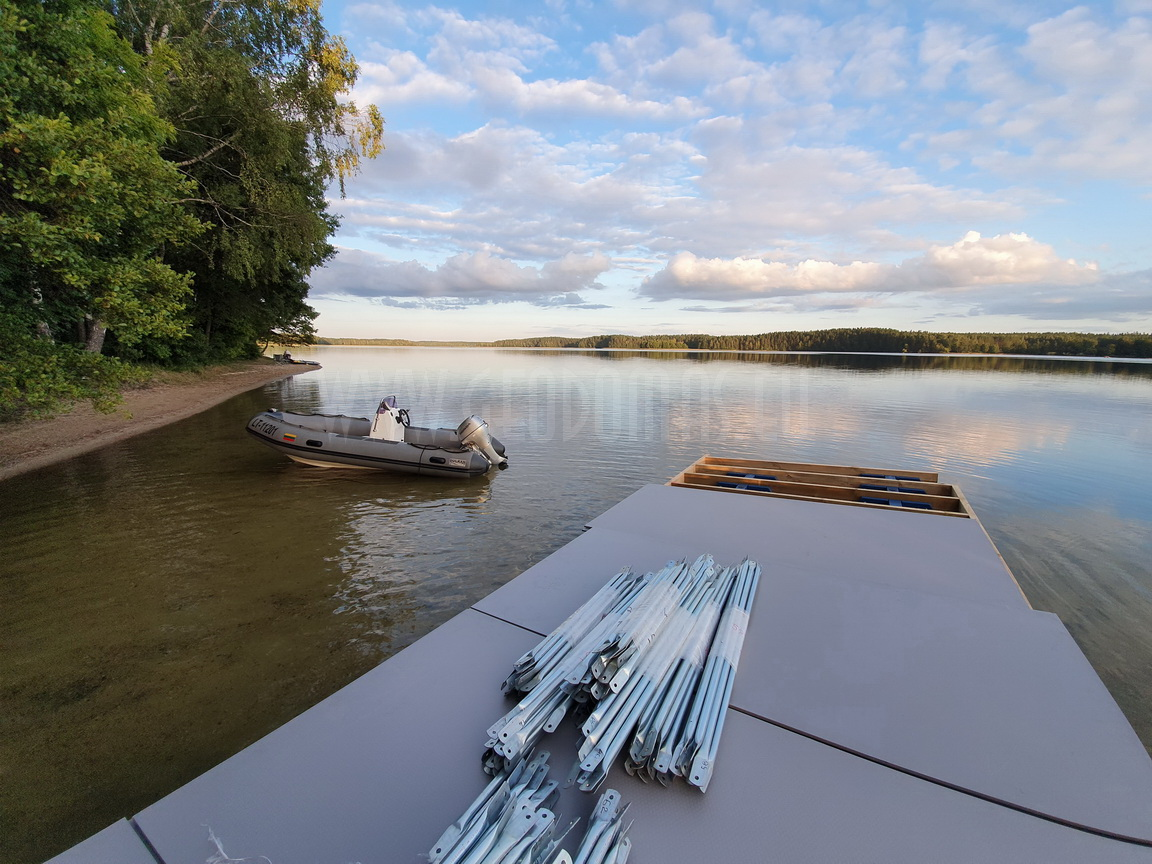 Floating Barge Dome 27m2 – Glamping all season |  Glamping Lithuania