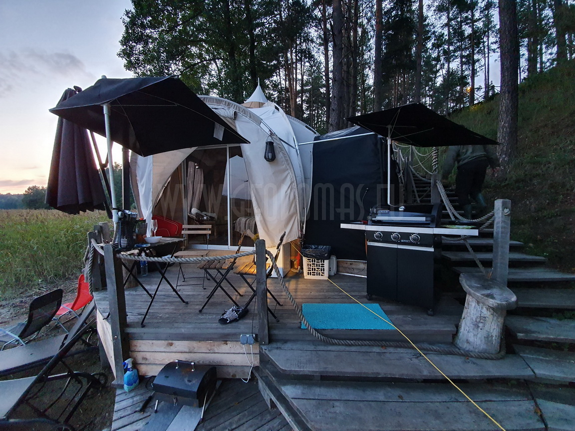 Floating Barge Dome 27m2 – Bungalow all season    Glamping Lithuania