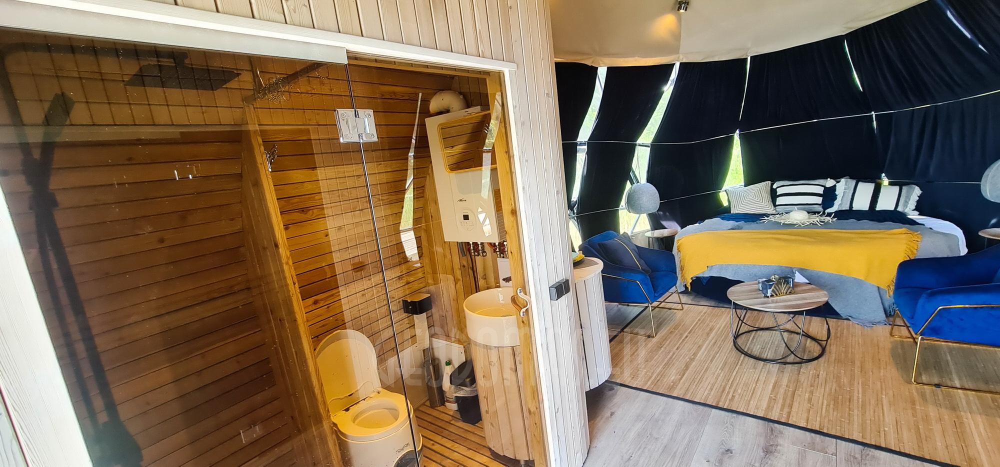 27m² Luxury Glamping Yacht   Floating Dome Ø7m, Trakai LT